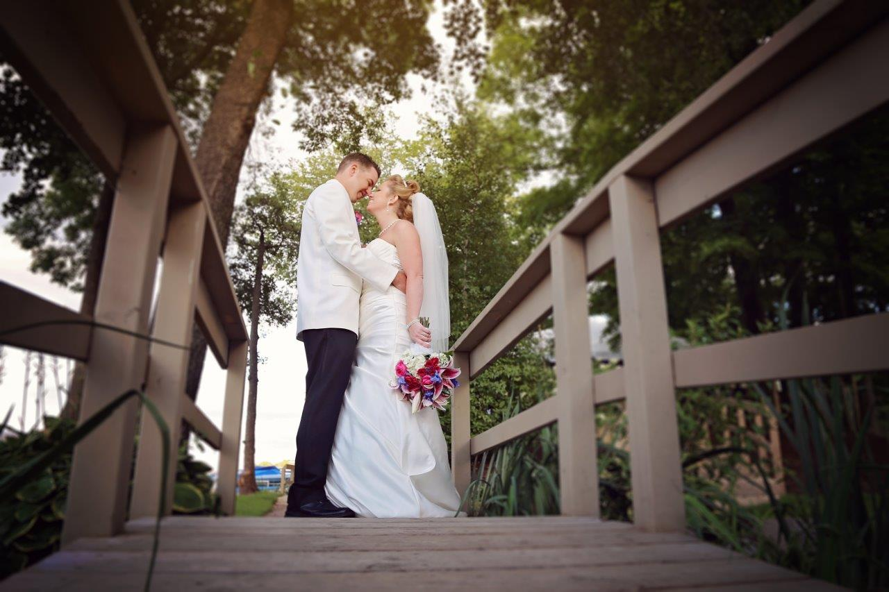Wedding Photos at Wedding Venues near Country Club Estates Golf Club